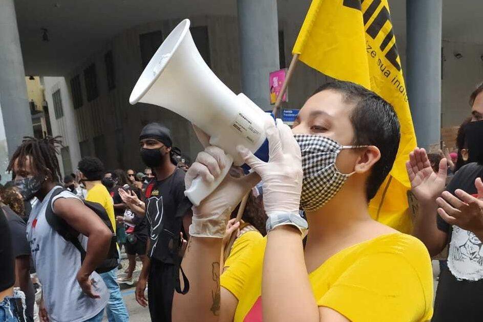 O governo está ruindo: é também tarefa da luta das mulheres derrotar Bolsonaro